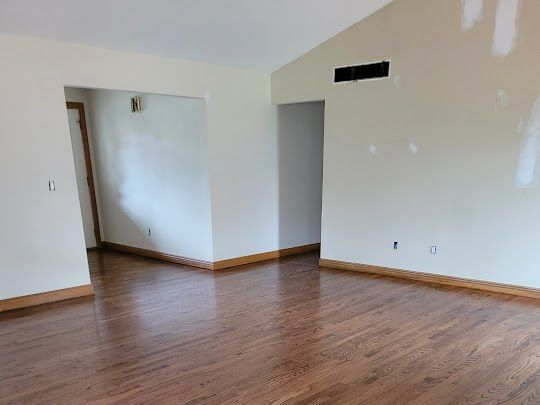 Milford Hardwood Floor Re-finishing